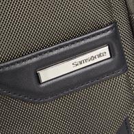 Ballistisk nylon med läderdetaljer av högsta kvalitet och metallbeslag av bästa metall.