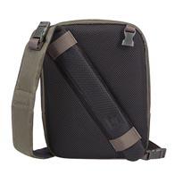 Exklusiv 2-i-1 design: från slingväska med en rem till crossoverväska i ett enkelt steg.